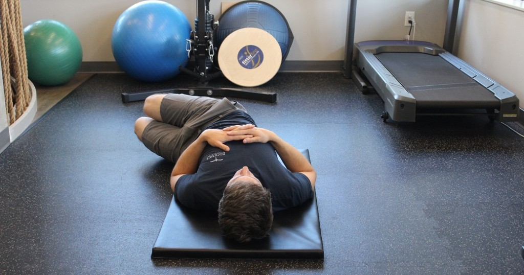 Side-to-Side Bent Knee Drops (Start Position) - Dockside Physiotherapy Victoria BC Exercise Database